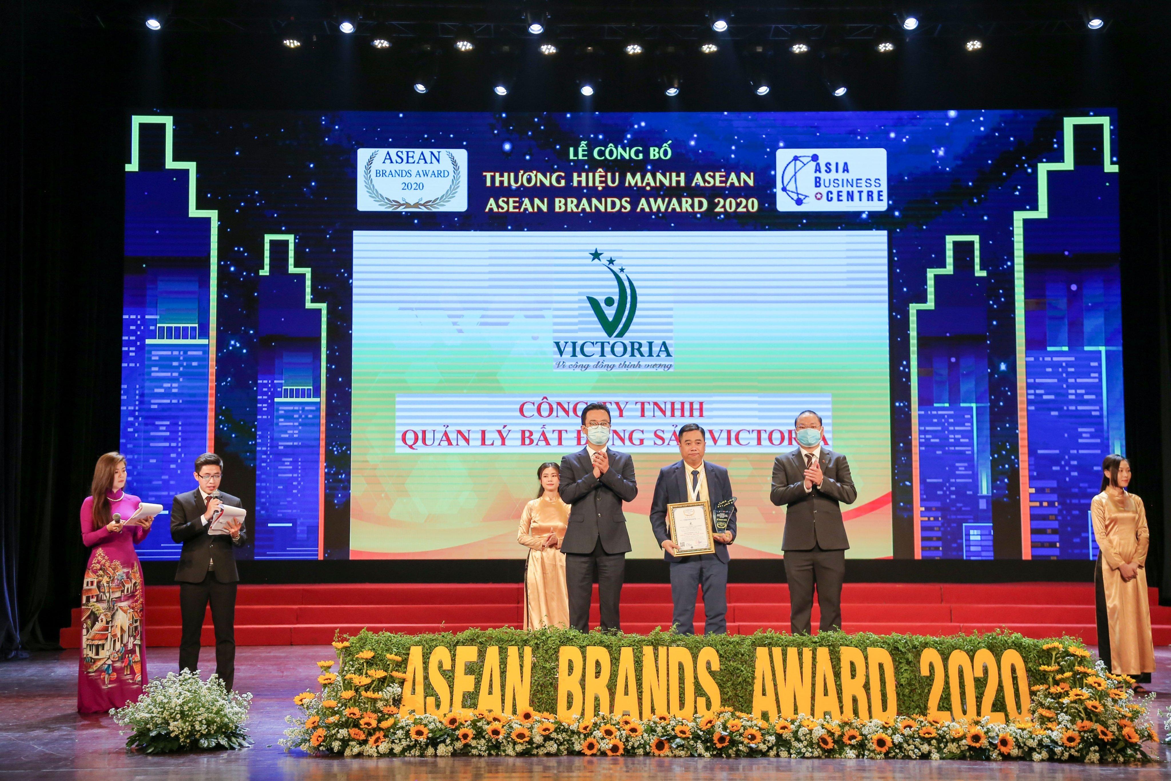 """CÔNG TY VICTORIA VINH DỰ ĐÓN NHẬN GIẢI THƯỞNG """"TOP 10 THƯƠNG HIỆU MẠNH ASEAN 2020"""""""